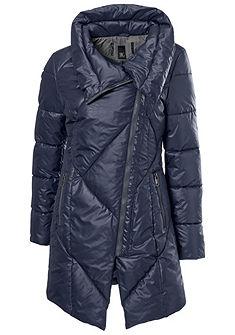 Steppelt kabát asszimmetrikus szabással lezser stílusban