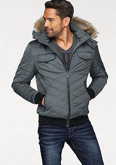 Bruno Banani steppelt dzseki kapucniján műszőrmével és plüss béléssel