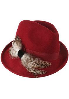 Dámský krojový klobouk s dekorativní ozdobou z peříček