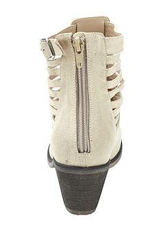 Andrea Conti Krátke čižmy