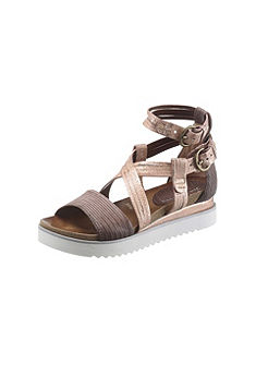 I'm walking Sandále na platforme v kovovom vzhľade