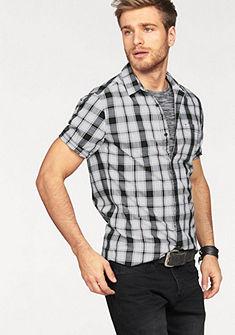 Q/S designed by Kockovaná košeľa