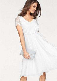 Laura Scott menyasszonyi ruha csipkével