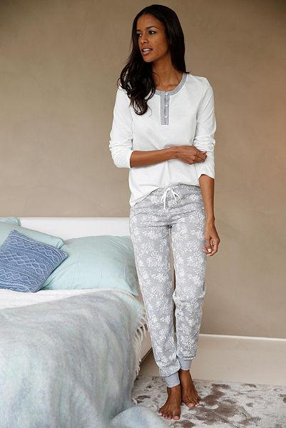 CALIDA pizsama gombokkal és mintás nadrággal