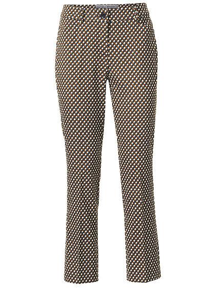 Testkövető nyomott mintás nadrág